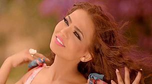 """الفنانة نهاد أبرودي تستعد لإطلاق أغنيتها الجديدة """"قالو زمان"""""""