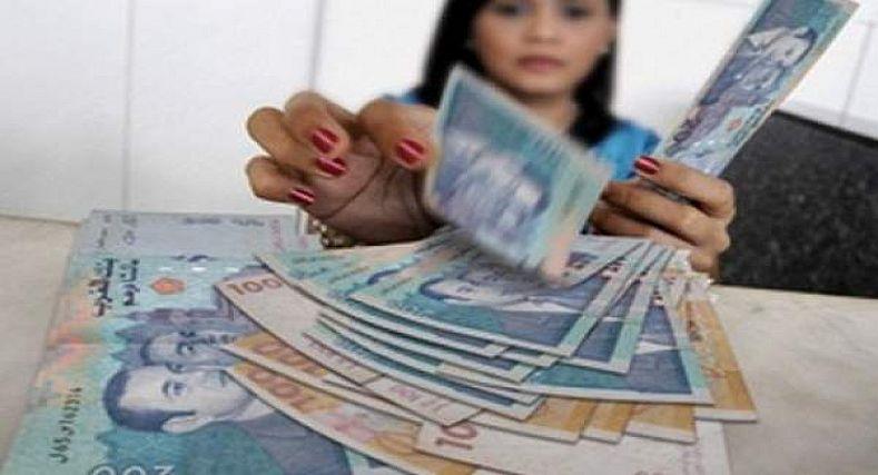 إجراء يقضي بزيادة 400 درهم شهريا لفائدة هذه الفئة من الموظفين