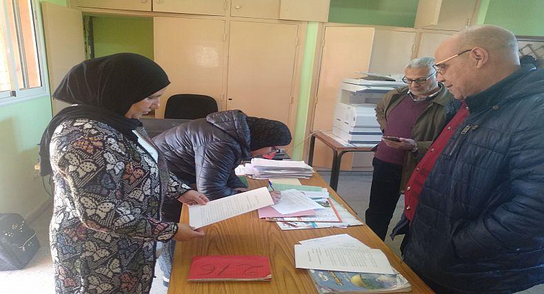 سيدي سليمان :الأطر التربوية والتعليمية بإعدادية السلام تنخرط في توقيع العريضة الوطنية لإحداث صندوق وطني لمحاربة داء السرطان بالمغرب