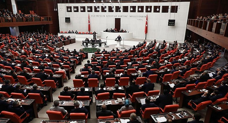 البرلمان التركي يصادق على مذكرة إرسال قوات إلى ليبيا