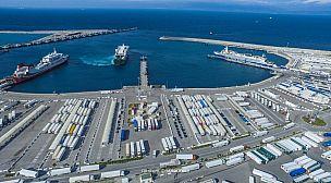 بعد التأكد من سلامتمهم من كورونا…عناصر الأمن بميناء طنجة المدينة يستأنفون عملهم