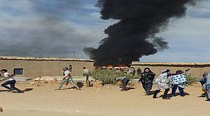 تندوف… المخيمات تشتعل  ومحتجون يضرمون النار في منازل قيادات الجبهة