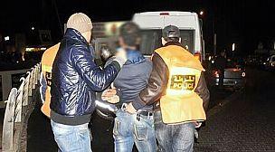 تيزنيت..توقيف شابين بتهمة تعريض سائق طاكسي للسرقة تحت التهديد.