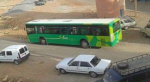 """رغم تخفيف الحجر..لا حركة لحافلات النقل الحضري بين """"أيت الرخا"""" و """"تيزنيت""""."""