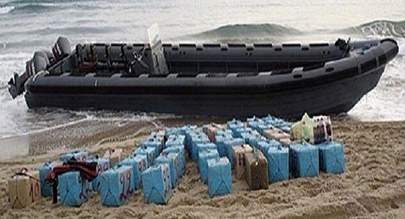 طنجة… الحجز على قارب للصيد وحوالي 700كلغ من الحشيش