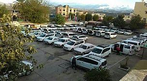 بعد قرار الإغلاق المفاجيء.. أصحاب سيارات الأجرة الكبيرة يفرضون أسعارا خيالية على العالقين الراغبين في مغادرة فاس