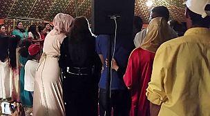 القليعة..اعتقال عريسين ووالدتيهما بسبب تنظيم حفل زفاف في زمن كورونا ..
