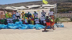 بالفيديو: كرنفال ترفيهي وتوعوي بشاطئ الأمم يحفّز رغبة المصطافين على الانخراط في عملية النظافة