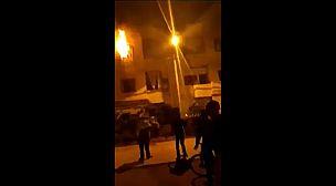 فيديو: تماس كهربائي يتسبب في حريق بمنزل بحي أنس بعين تاوجطات