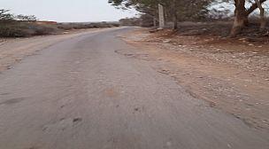 اكادير…..الدراركة طريق مهترئة تعيق تحركات المواطنين بدوار تدوارت