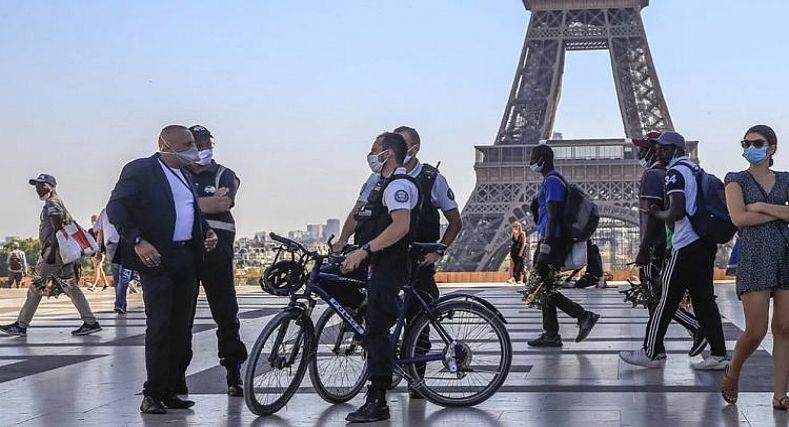 فرنسا تعلن إمكانية فرض حالة الطوارئ القصوى في باريس.