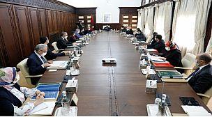 مجلس الحكومة يصادق على مشاريع قوانين لعرض المراسيم بقوانين المتعلقة بها على البرلمان