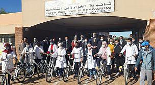 بحضور السفير الهولاندي والمدير الإقليمي للوزارة  توزيع 270 دراجة هوائية لفائدة تلاميذ ثانوية الخوارزمي بقلعة السراغنة