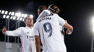 ريال مدريد يتقاسم الصدارة مع أتلتيكو بعد هزمه غرناطة