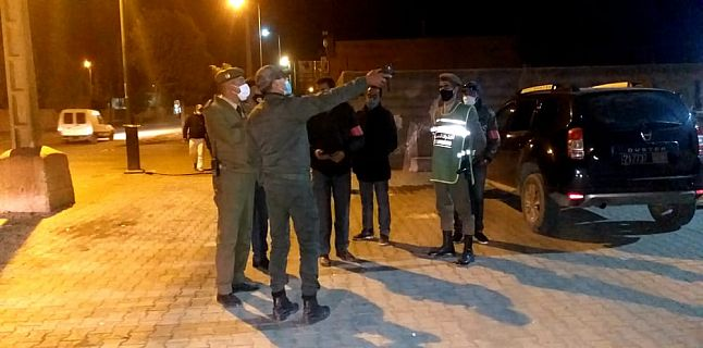 واحة سيدي ابراهيم : السلطات المحلية ملتزمة بتطبيق حالة الطوارئ الصحية و المواطنين يتفاعلون بشكل إيجابي.