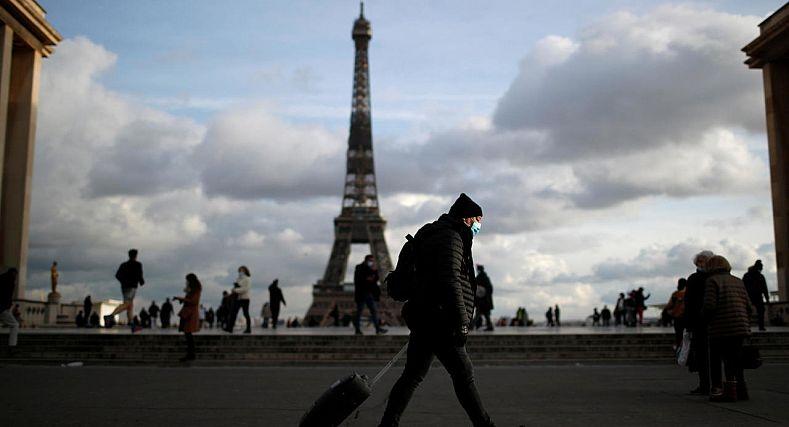 فرنسا: ترقب وتخوف يخيم على الاجواء بعودة شبح الحجر الصحي العام .