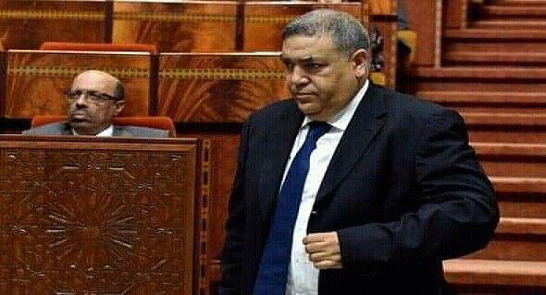على بُعد أشهر من الإنتخابات.. الداخلية تجرِّد رئيس جماعة من مهامه.