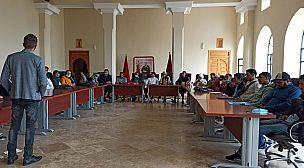 الشباب و رهانات المستقبل عنوان دورة تكوينية في مهارات التسويق الإلكتروني من تنظيم شباب منتدى الواحة للتنمية.