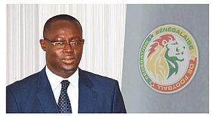 """رئيس الإتحاد السنغالي ينسحب رسميا من سباق رئاسة """"الكاف"""""""
