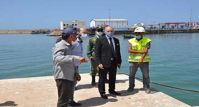 سيدي إفني.. عامل الإقليم يشرف على افتتاح سوق بيع السمك بالجملة بميناء سيدي إفني.