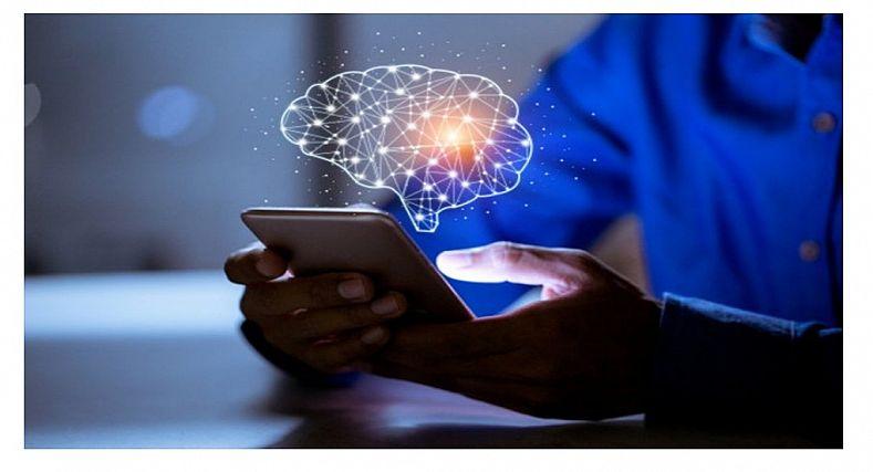 خبير يوضح مدى تأثير الهواتف الذكية في الدماغ