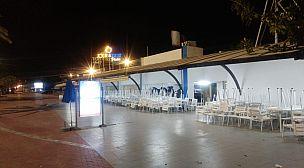 هذه هي الأجواء بشاطىء أكادير بعد إغلاق المقاهي أبوابها+ صور