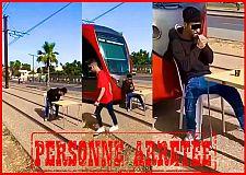 """الأمن الوطني يلقي القبض على شاب بالدار البيضاء لتورطه في نشر فيديو يتعلق بعرقلة """"ترامواي"""""""