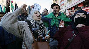 المسيرات الاحتجاجية تعود إلى شوارع الجزائر وتطالب بالتغيير