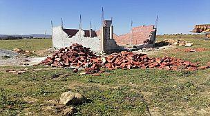 طنجة.. السلطات المحلية تهدم منازل مخالفة للقانون