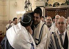 """المرشدون المغاربة يتعلمون لغة """"شالوم"""" إستعدادا لإستقبال نصف مليون يهودي خلال هذا الصيف."""