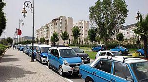 التقليص من عدد الركاب يثير احتجاجات لدى سائقي سيارات الأجرة بتطوان
