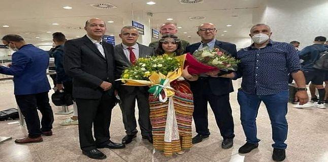 بعثة الجيش تصل إلى الجزائر واستقبال بالورود في المطار